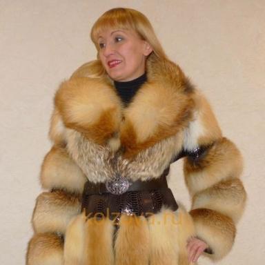 Пальто из рыжих лис